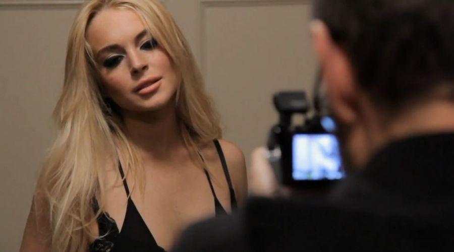 Lindsay Lohan in REM Blue Music Video-03
