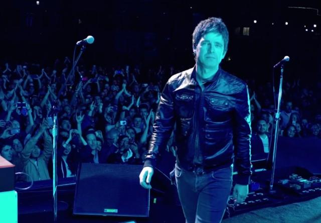 Noel-Gallaghers-High-Flying-Birds-Lock-All-The-Doors-video-640x444