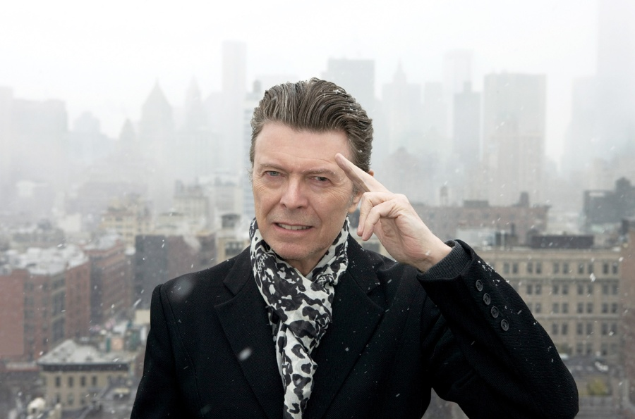 david-bowie-press-photo-2016-billboard-650-1548